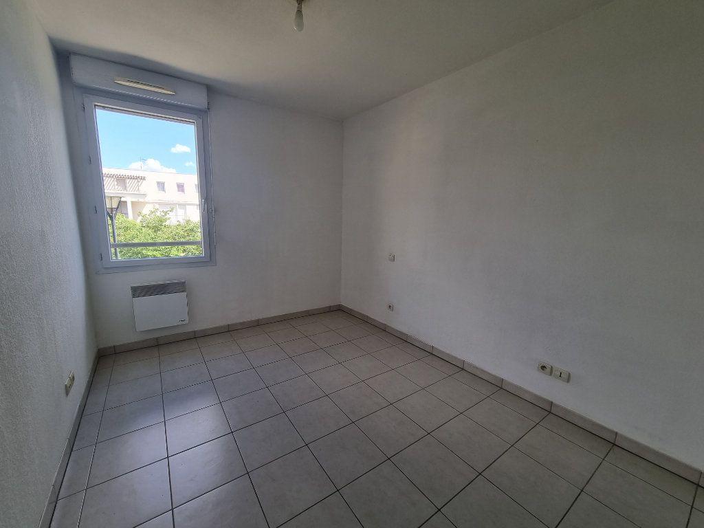 Appartement à vendre 3 63.5m2 à Avignon vignette-6