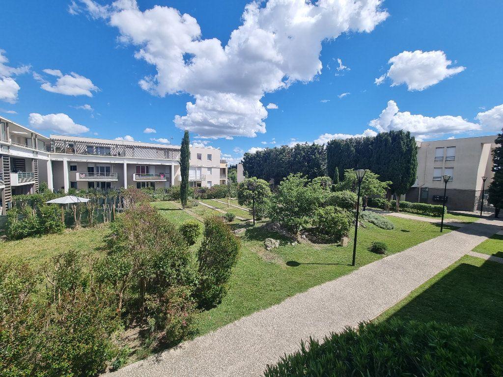 Appartement à vendre 3 63.5m2 à Avignon vignette-8