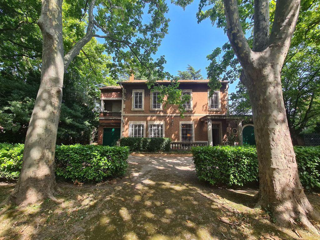 Maison à vendre 7 275m2 à Montfavet - Avignon vignette-1