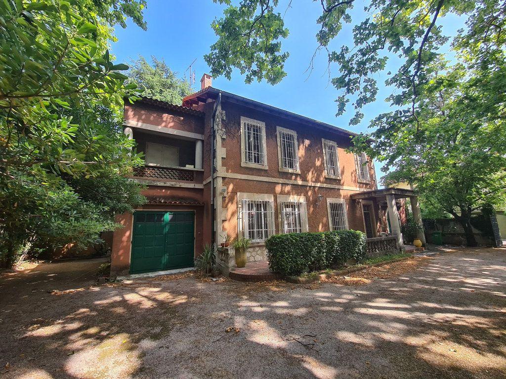 Maison à vendre 7 275m2 à Montfavet - Avignon vignette-3