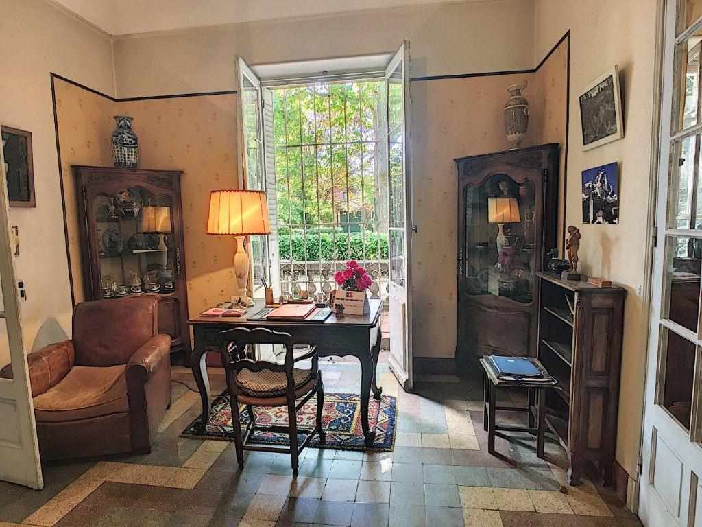 Maison à vendre 7 275m2 à Montfavet - Avignon vignette-5