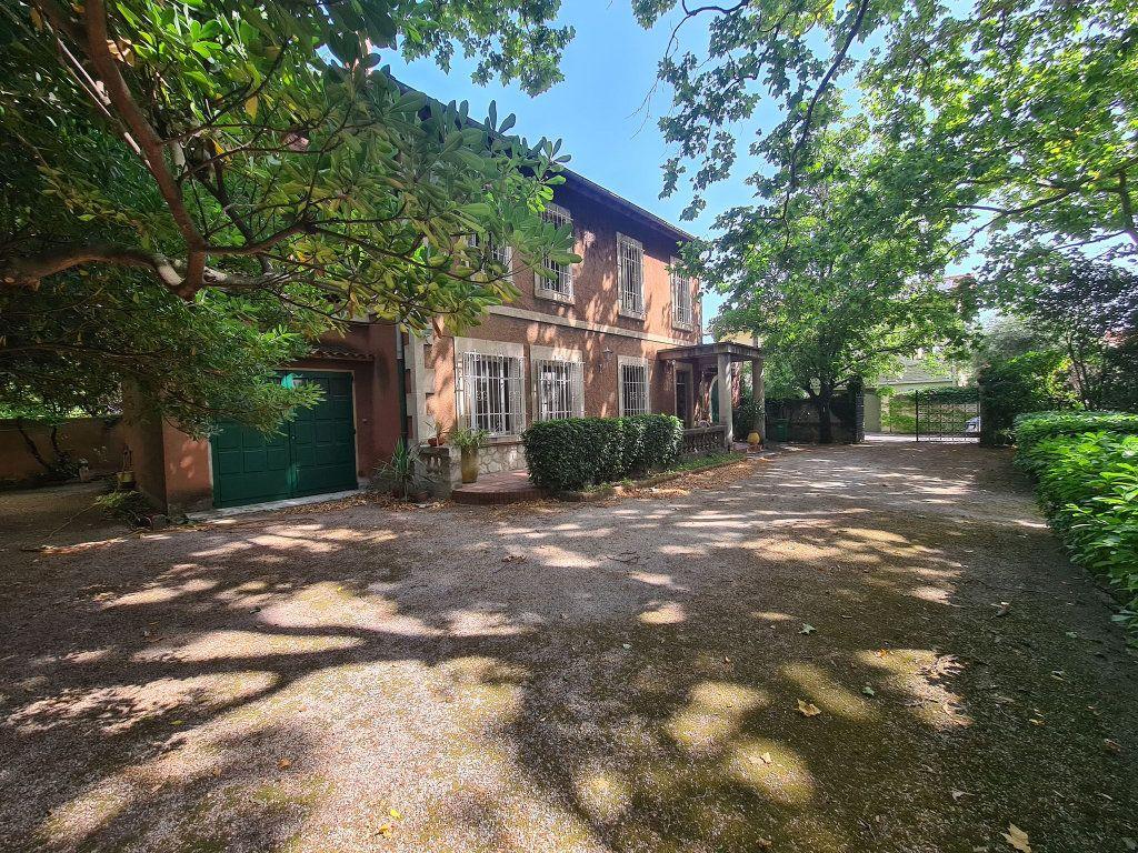Maison à vendre 7 275m2 à Montfavet - Avignon vignette-14