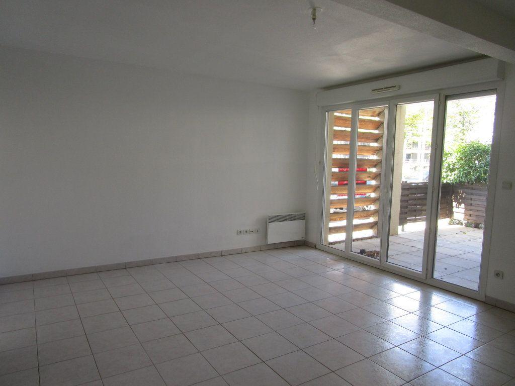 Appartement à vendre 3 62m2 à Avignon vignette-3