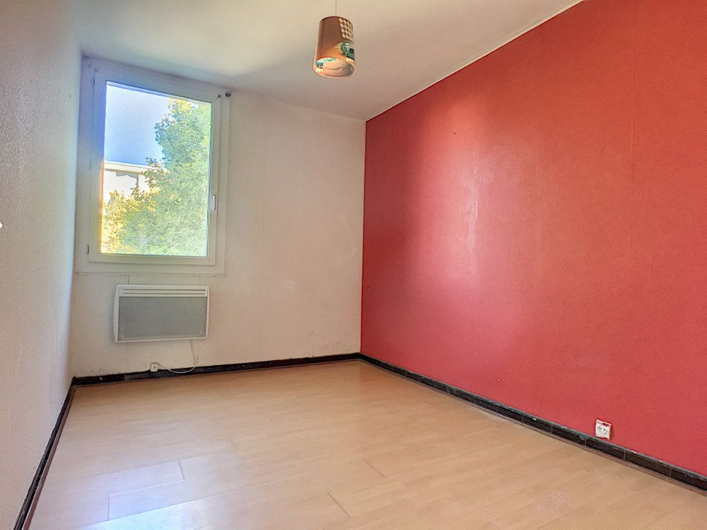 Appartement à vendre 4 64m2 à Avignon vignette-1