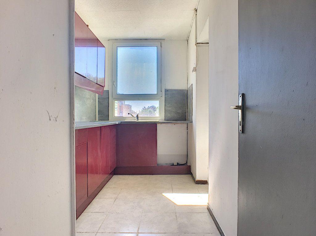 Appartement à vendre 4 64m2 à Avignon vignette-2