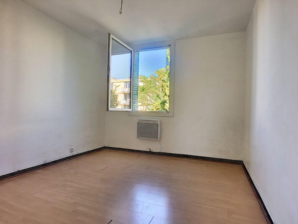 Appartement à vendre 4 64m2 à Avignon vignette-4