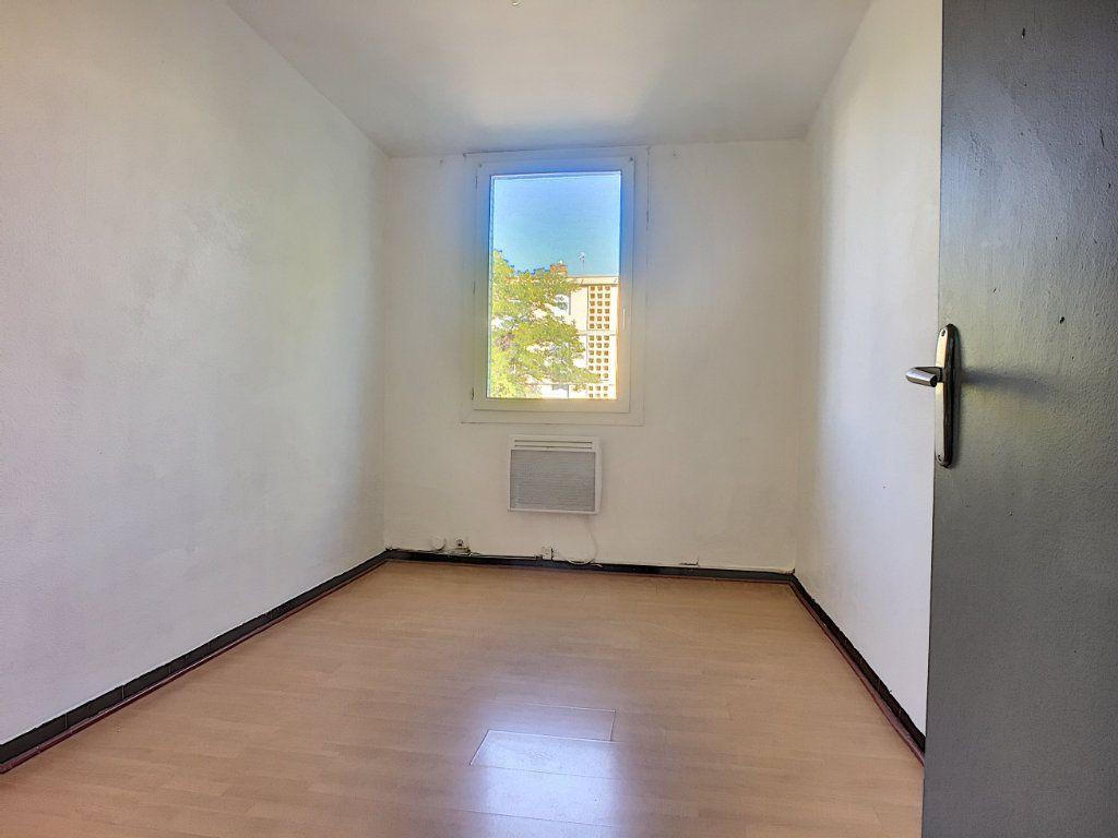 Appartement à vendre 4 64m2 à Avignon vignette-5