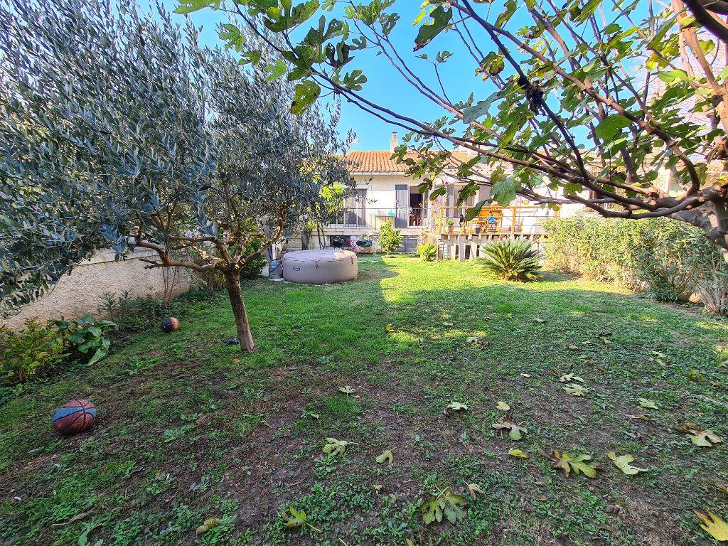 Maison à vendre 4 86m2 à Avignon vignette-5