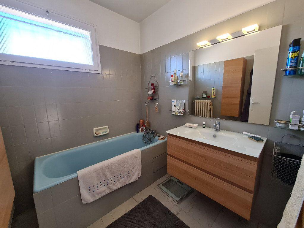 Maison à vendre 4 86m2 à Avignon vignette-8