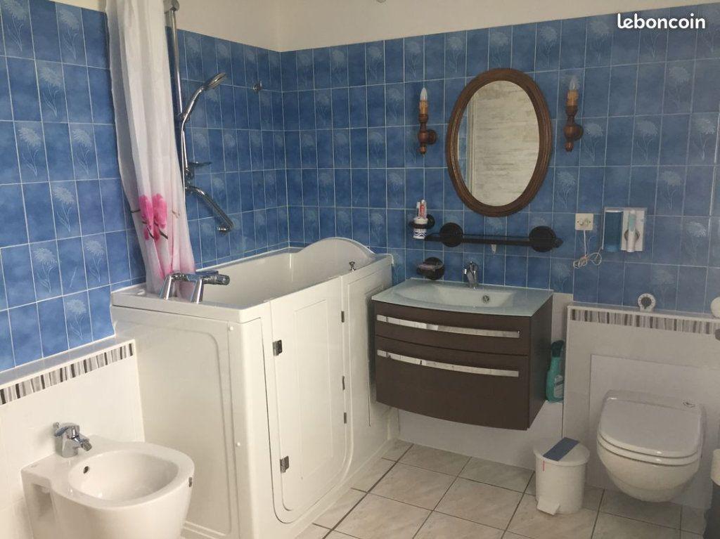 Maison à vendre 4 103.3m2 à Vedène vignette-5