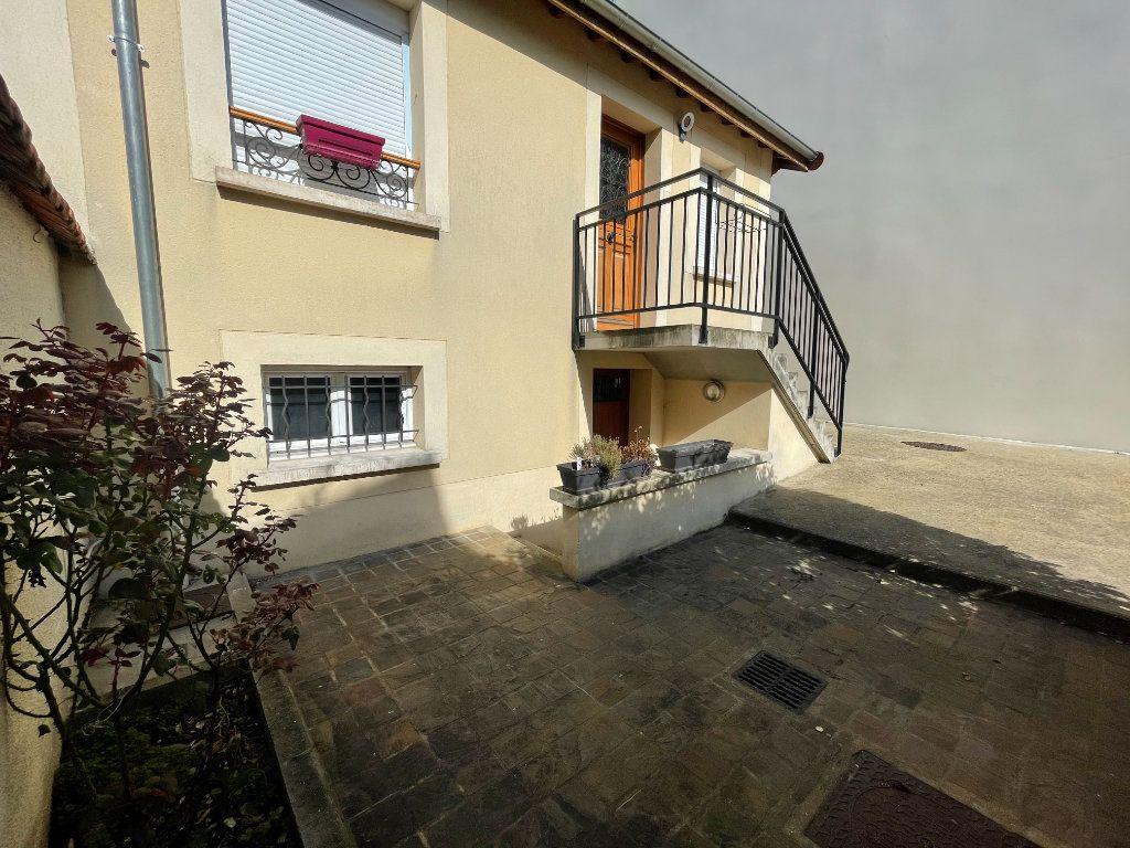 Appartement à vendre 4 98m2 à Saint-Maur-des-Fossés vignette-1