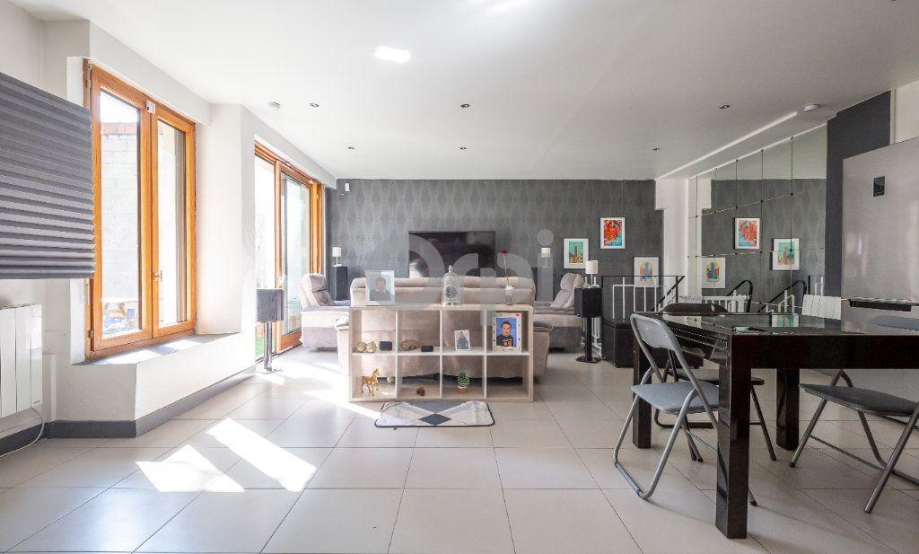 Appartement à vendre 3 68.87m2 à Saint-Maur-des-Fossés vignette-1
