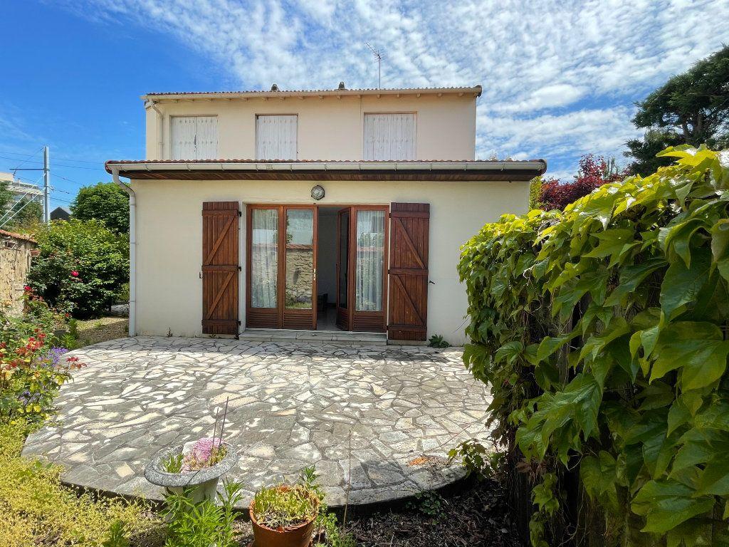 Maison à vendre 4 90m2 à Saint-Maur-des-Fossés vignette-2