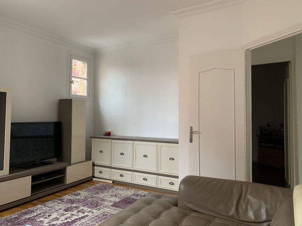 Appartement à louer 3 53m2 à Colombes vignette-3