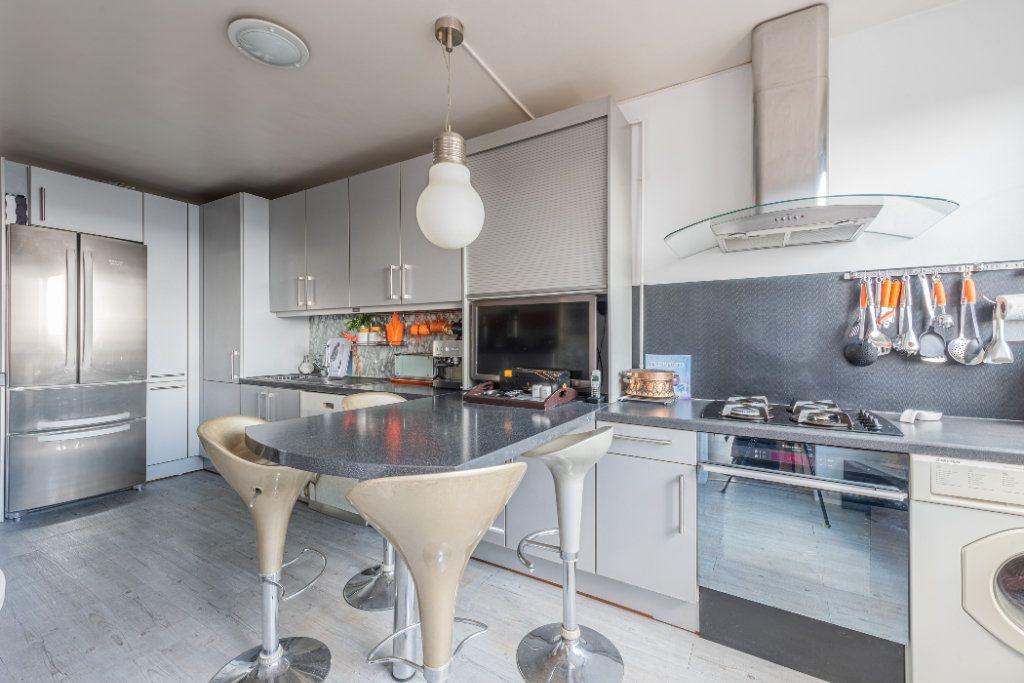 Appartement à vendre 4 88m2 à Colombes vignette-7
