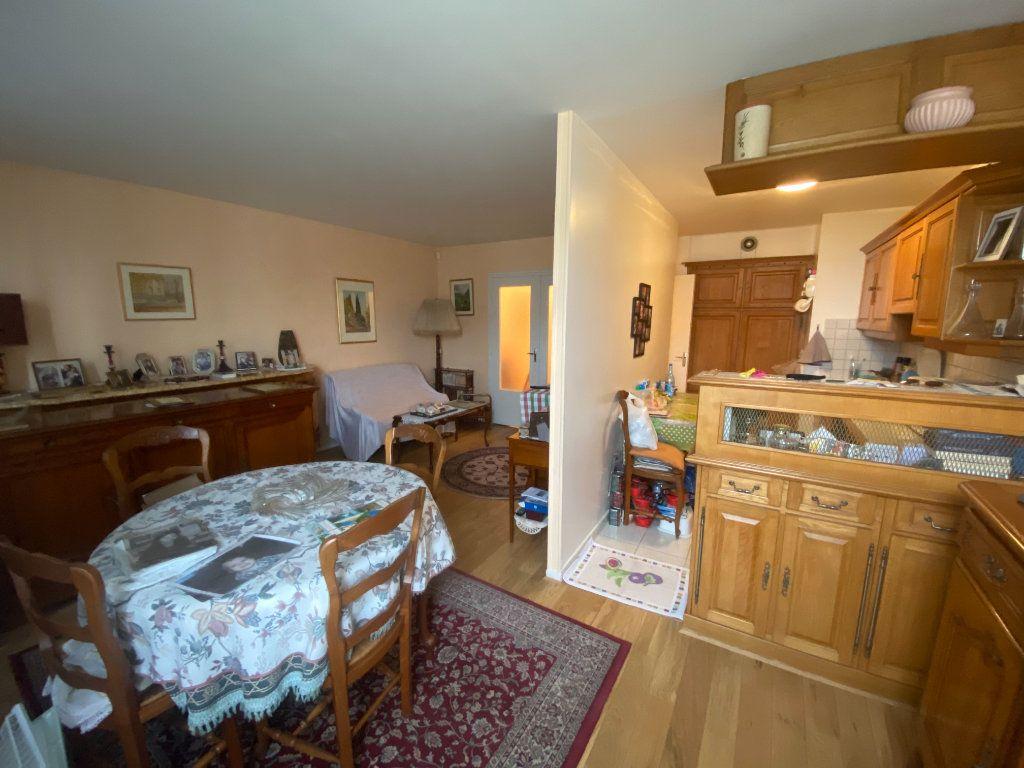 Appartement à vendre 4 83m2 à Asnières-sur-Seine vignette-1