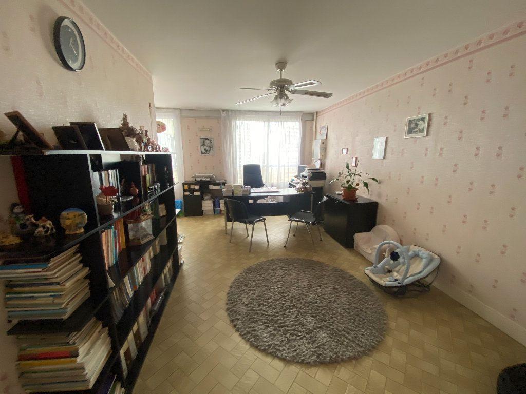 Appartement à vendre 4 83m2 à Asnières-sur-Seine vignette-2