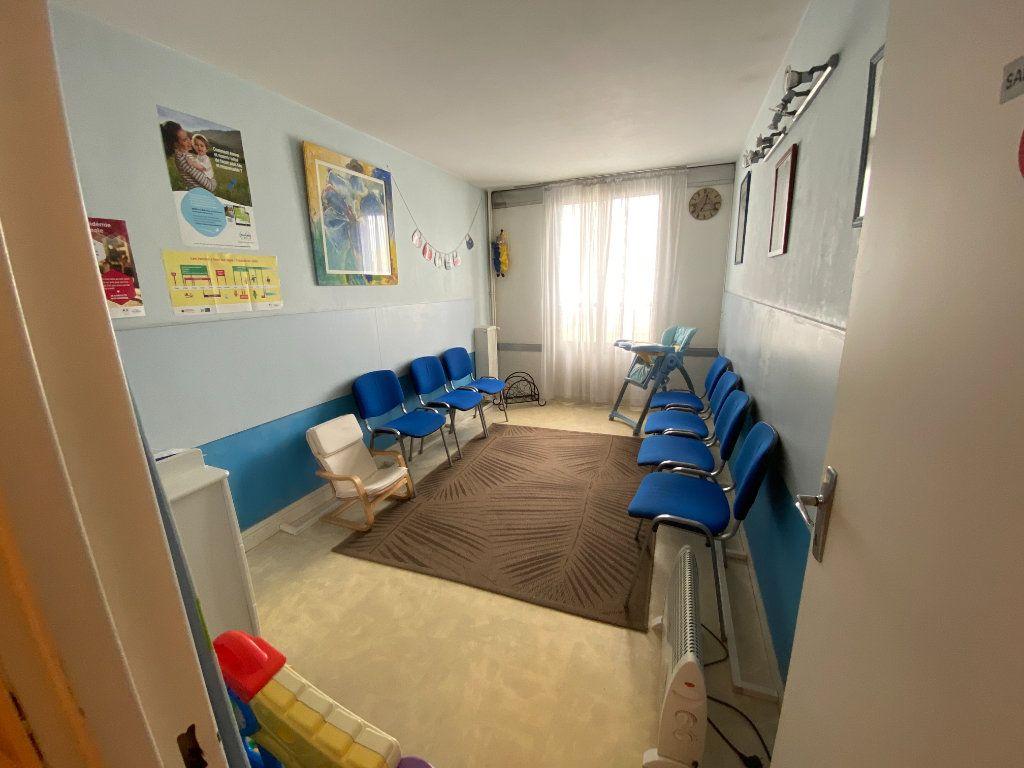 Appartement à vendre 4 83m2 à Asnières-sur-Seine vignette-7