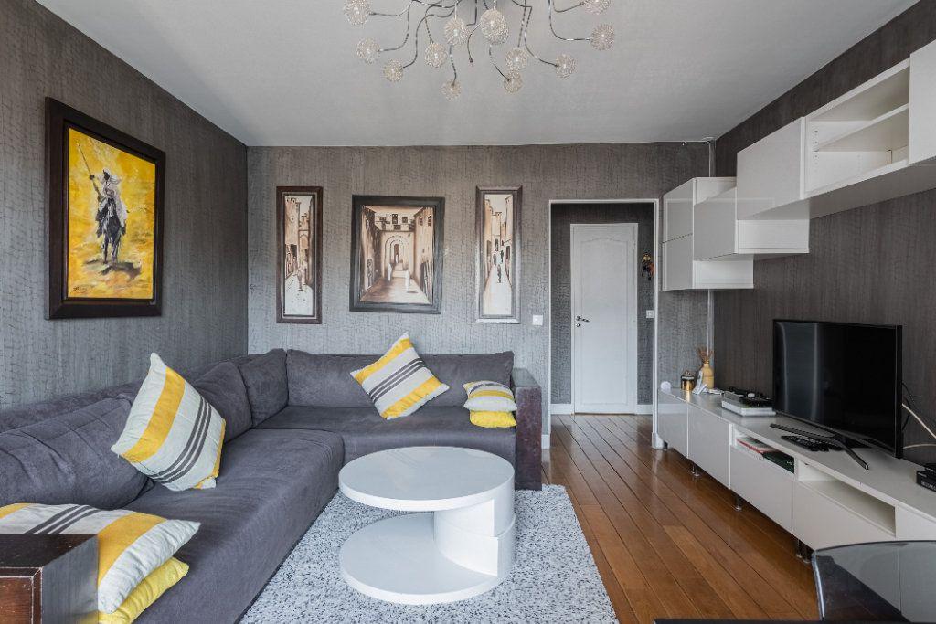 Appartement à vendre 4 78.77m2 à Colombes vignette-3