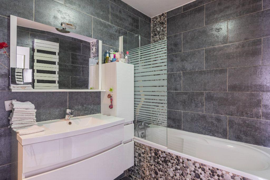 Appartement à vendre 4 78.77m2 à Colombes vignette-8