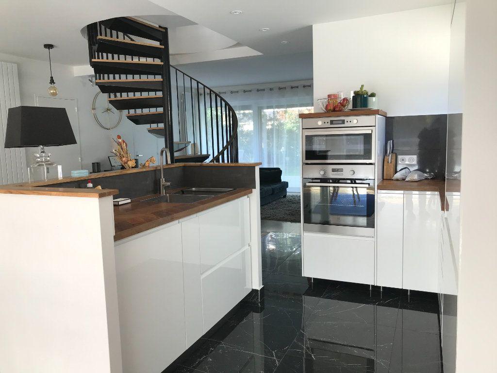 Appartement à vendre 5 152m2 à Montreuil vignette-4