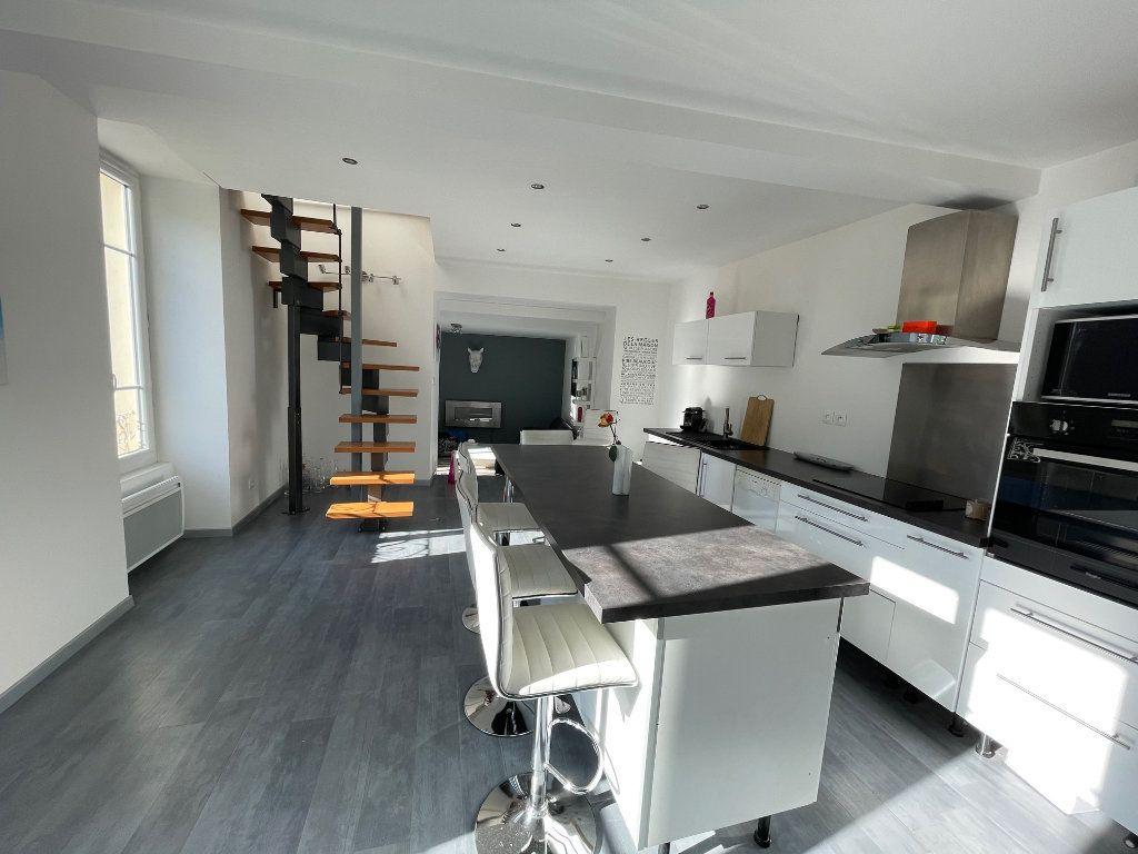 Appartement à vendre 4 100m2 à Vienne vignette-2