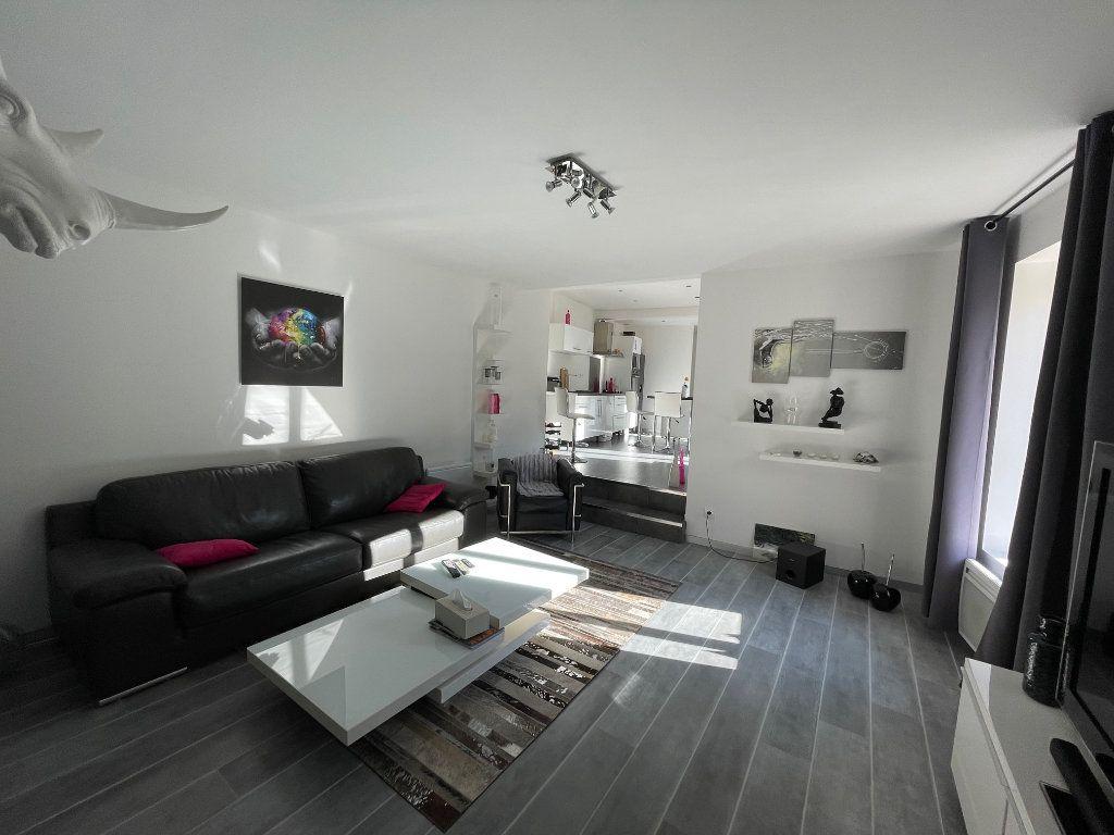 Appartement à vendre 4 100m2 à Vienne vignette-4