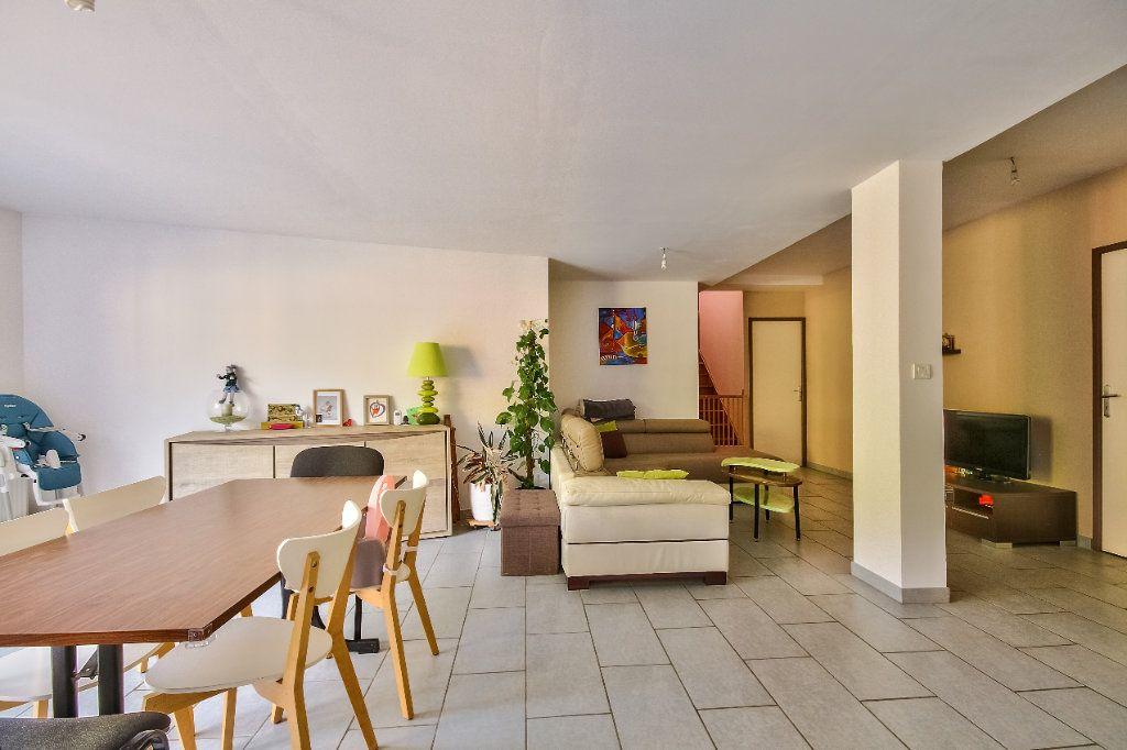 Appartement à vendre 4 116.7m2 à Vienne vignette-1
