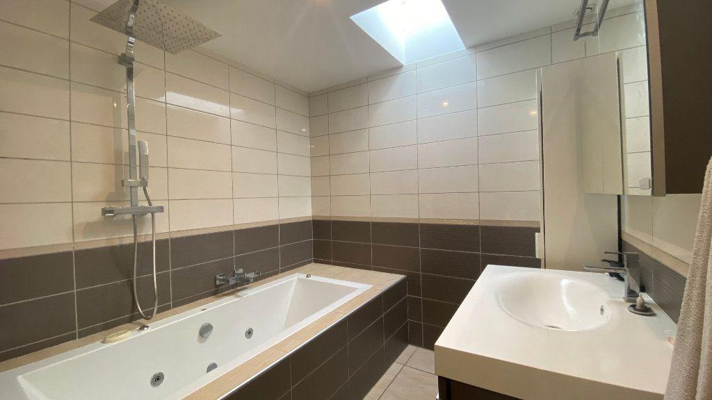 Maison à vendre 7 200m2 à Saint-Sorlin-de-Vienne vignette-9