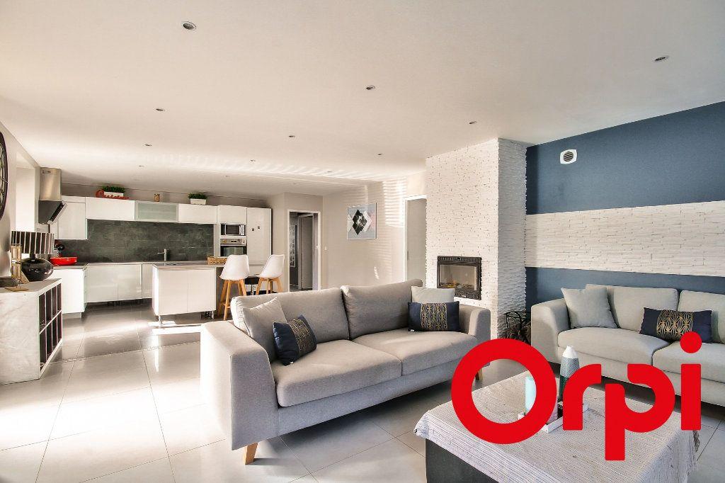 Appartement à vendre 4 122m2 à Saint-Sorlin-de-Vienne vignette-2