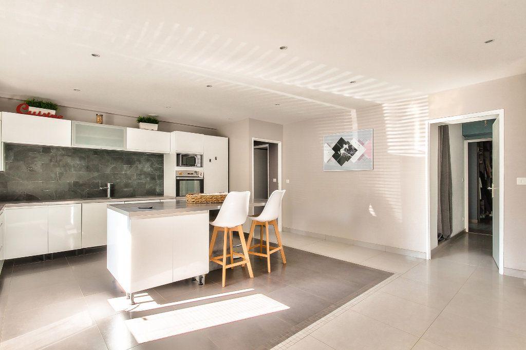 Appartement à vendre 4 122m2 à Saint-Sorlin-de-Vienne vignette-6
