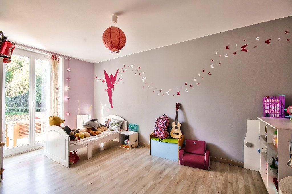 Appartement à vendre 4 122m2 à Saint-Sorlin-de-Vienne vignette-11