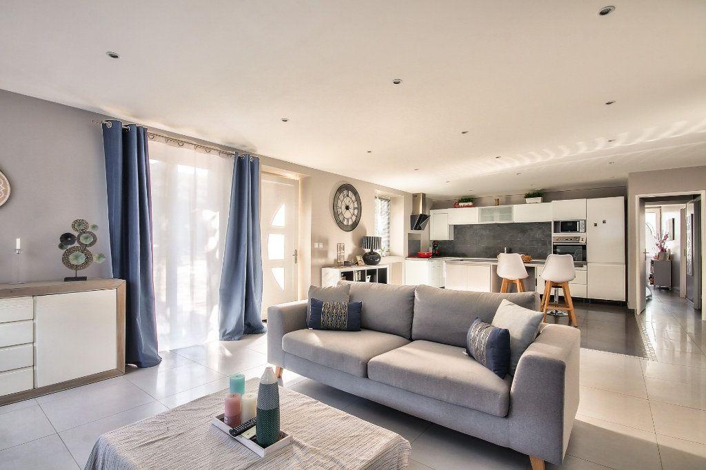 Appartement à vendre 4 122m2 à Saint-Sorlin-de-Vienne vignette-13