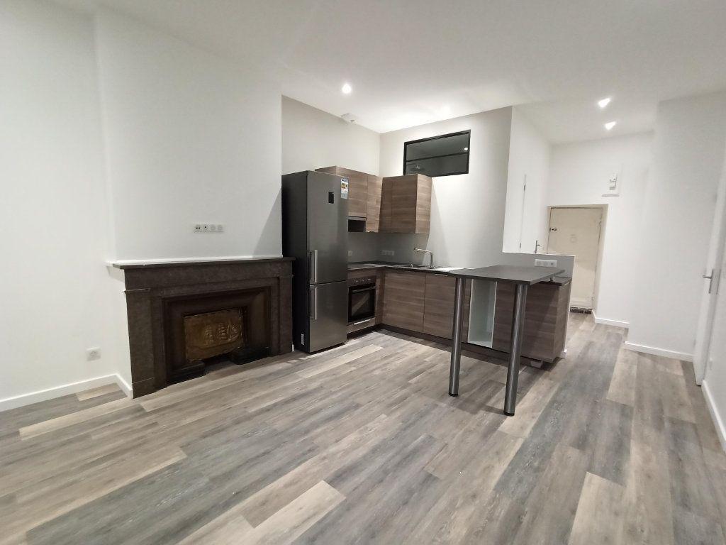 Appartement à louer 3 48.81m2 à Vienne vignette-1