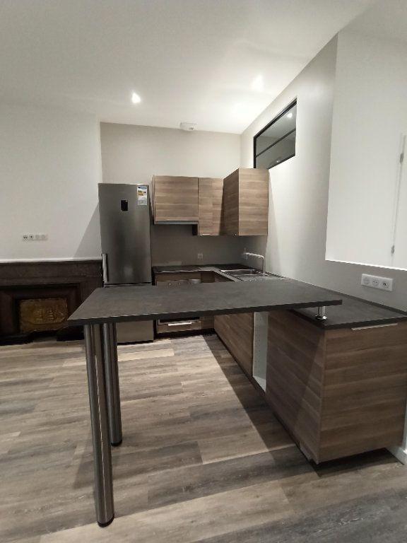 Appartement à louer 3 48.81m2 à Vienne vignette-2