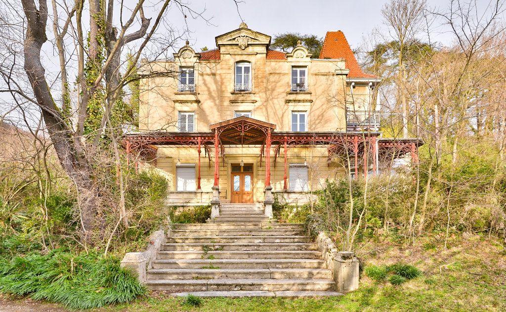 Appartement à vendre 11 240m2 à Seyssuel vignette-2