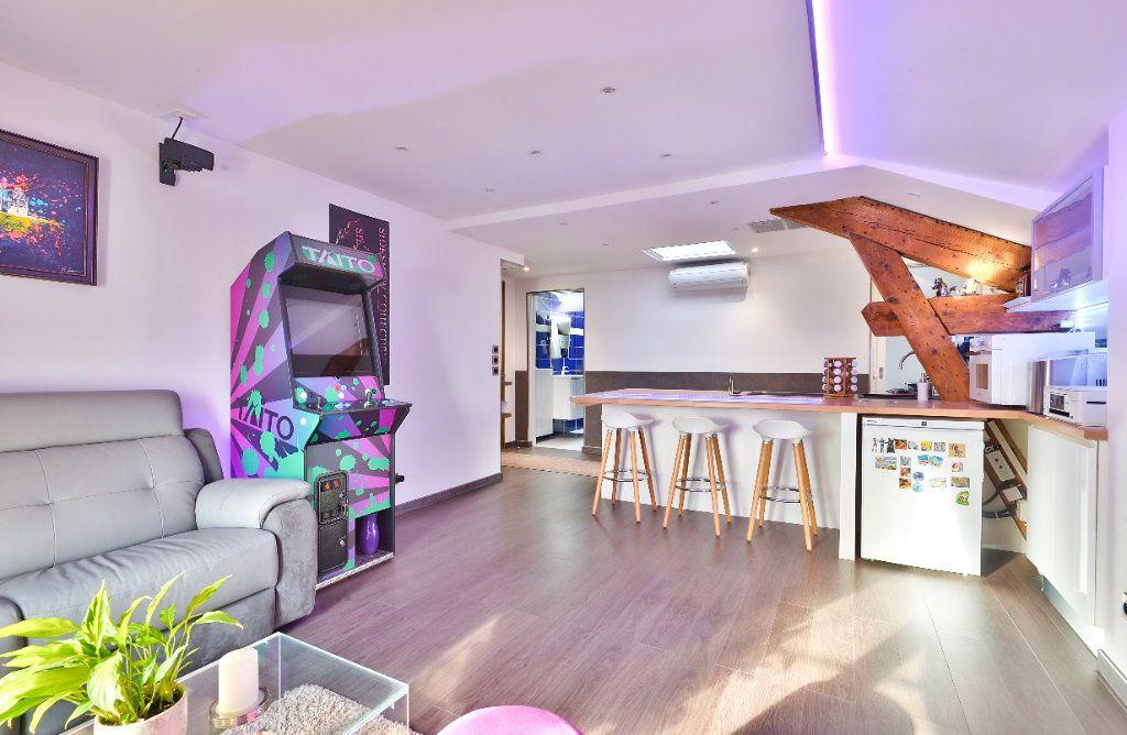 Appartement à vendre 11 240m2 à Seyssuel vignette-14