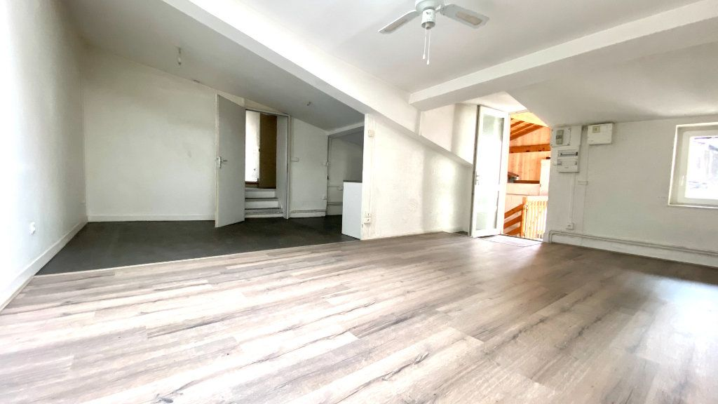 Appartement à vendre 5 100m2 à Vienne vignette-1