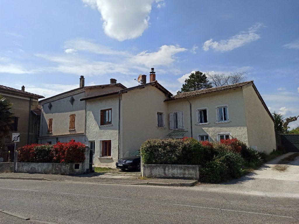 Maison à vendre 10 175m2 à Bougé-Chambalud vignette-1