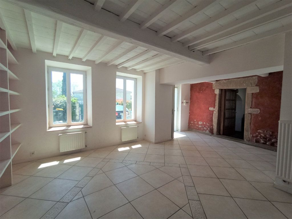 Maison à vendre 10 175m2 à Bougé-Chambalud vignette-2
