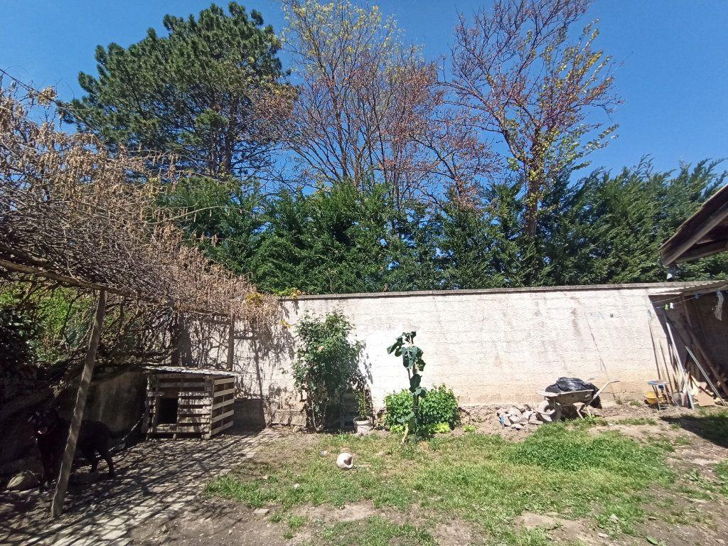 Maison à vendre 10 175m2 à Bougé-Chambalud vignette-3