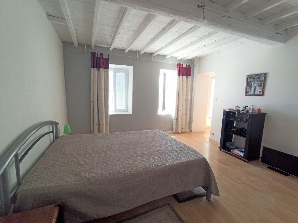 Maison à vendre 10 175m2 à Bougé-Chambalud vignette-4