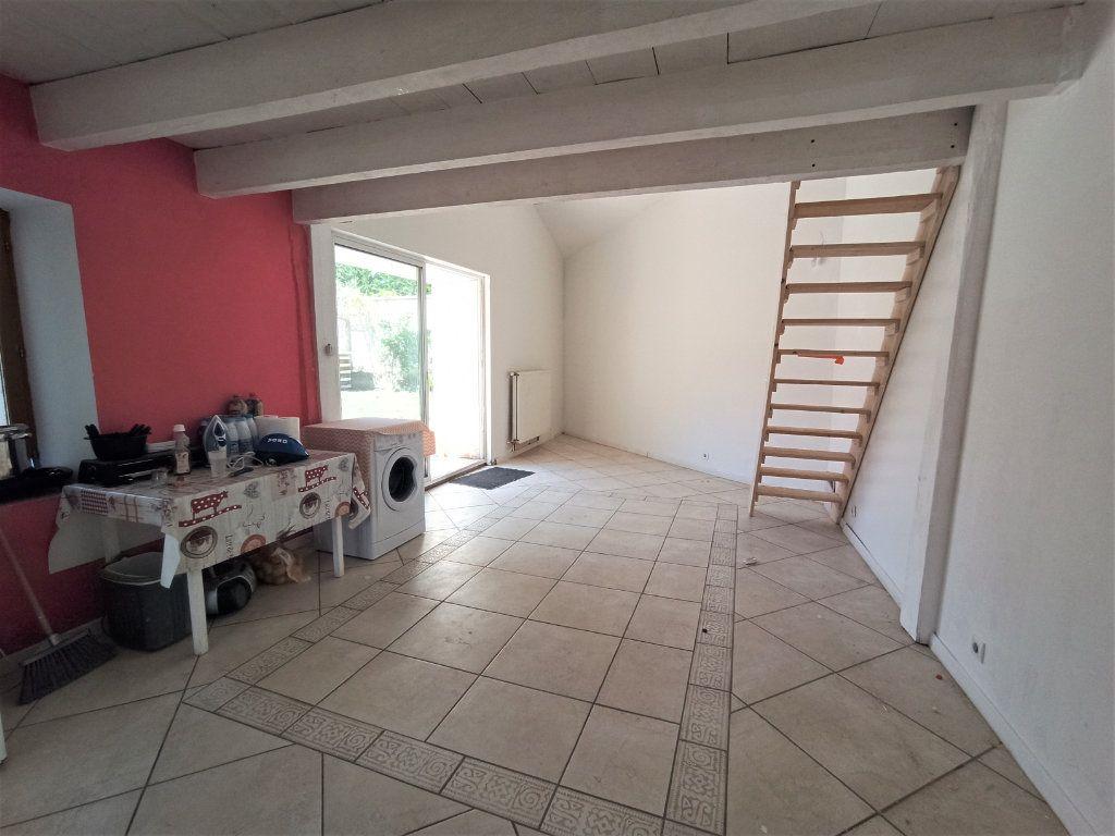 Maison à vendre 10 175m2 à Bougé-Chambalud vignette-5