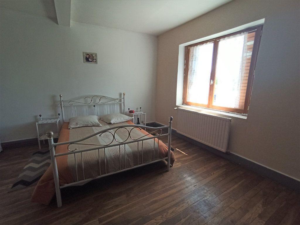 Maison à vendre 10 175m2 à Bougé-Chambalud vignette-10