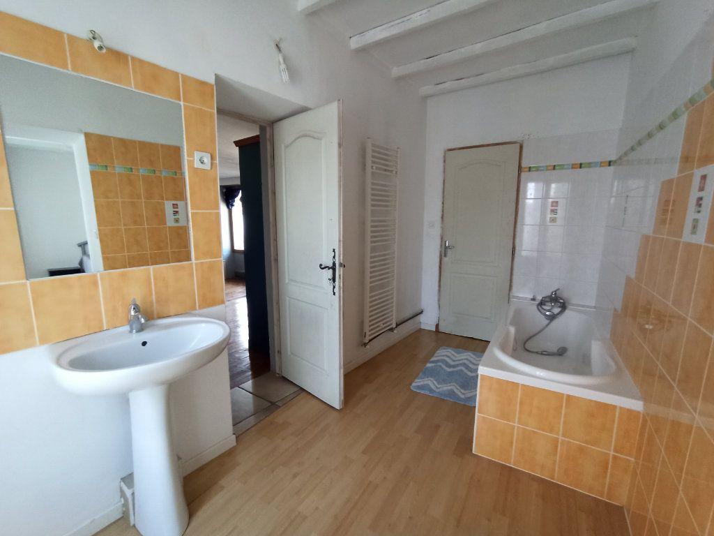 Maison à vendre 10 175m2 à Bougé-Chambalud vignette-13