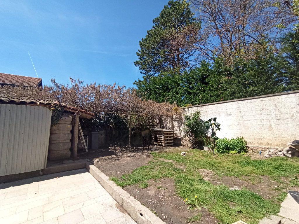 Maison à vendre 10 175m2 à Bougé-Chambalud vignette-14