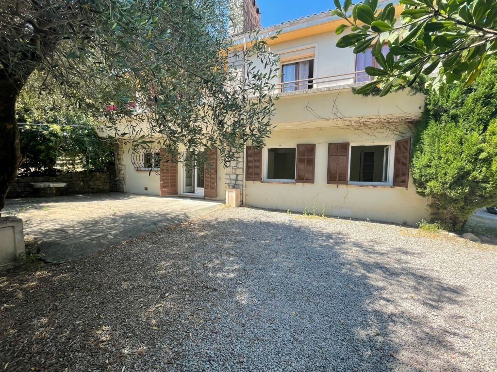 Maison à louer 3 65m2 à Grasse vignette-1