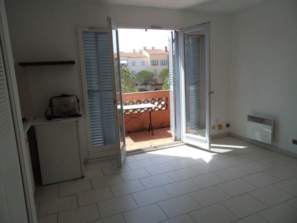 Appartement à louer 1 24.94m2 à Mougins vignette-4