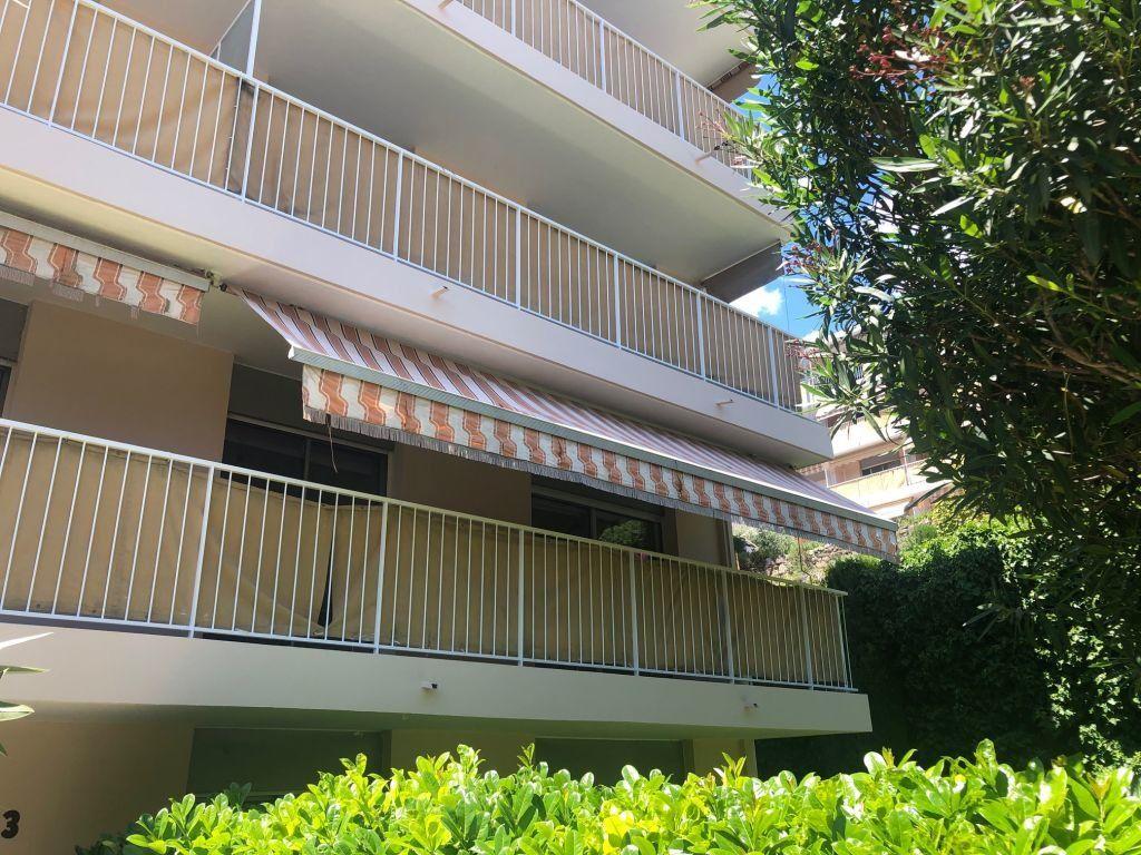 Appartement à louer 3 56m2 à Grasse vignette-1