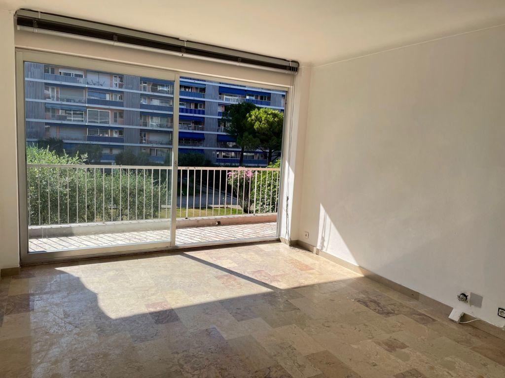 Appartement à louer 2 51.58m2 à Grasse vignette-1